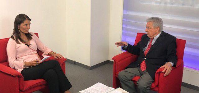 Entrevista a HÉCTOR POLINO, fundador y representante legal deCONSUMIDORES LIBRES CAROLINA RODRIGUEZMITOSYREALIDADESDELCAMPOARGENTINO.CHACRATV