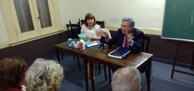 El Dr. Héctor Polino en la Sociedad Italiana junto a Marta Stoppani, explicando los derechos de los consumidores ante los tarifazos en la energía eléctrica, el gas y el agua […]